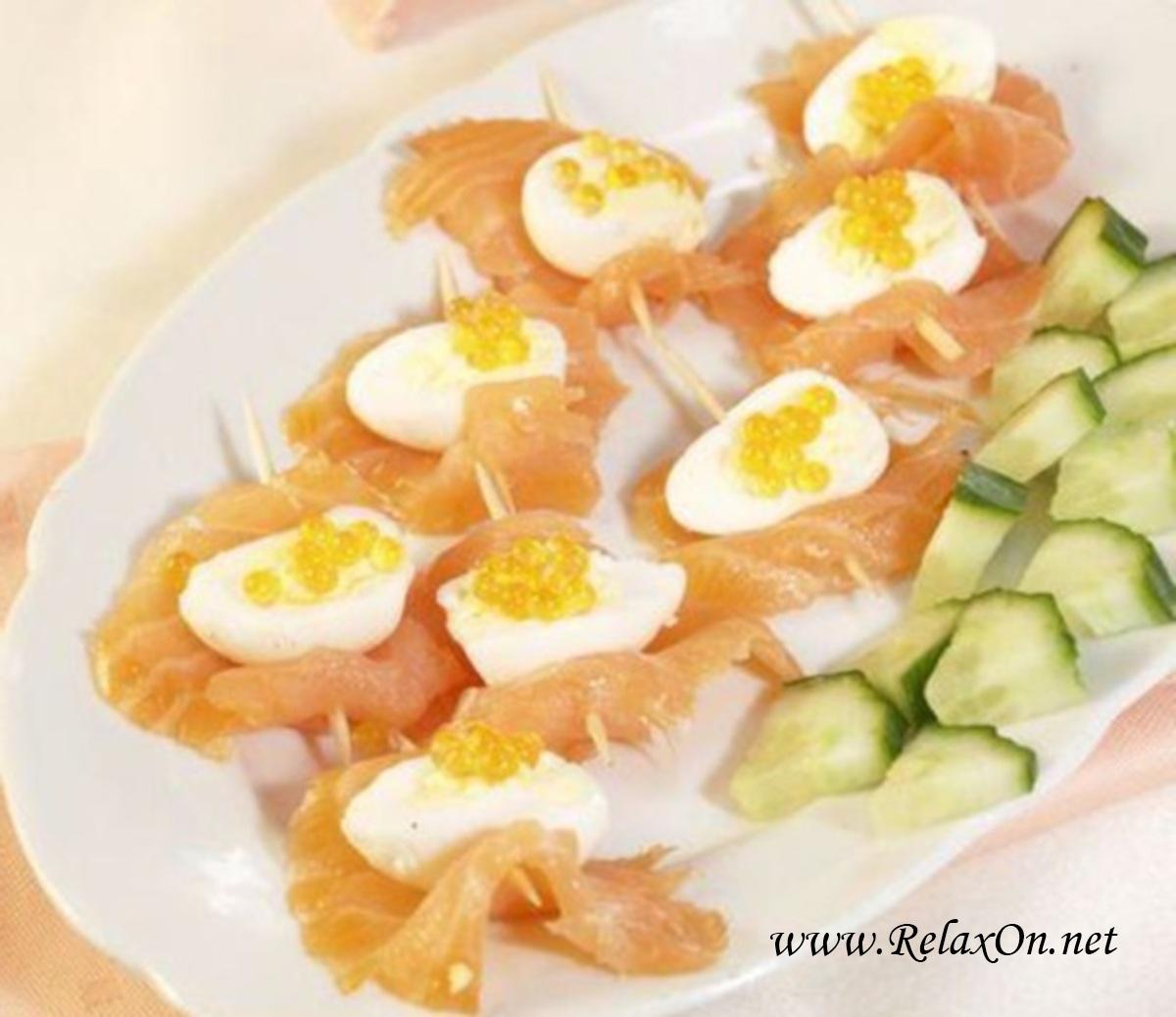 Перепелиные яйца с икрой