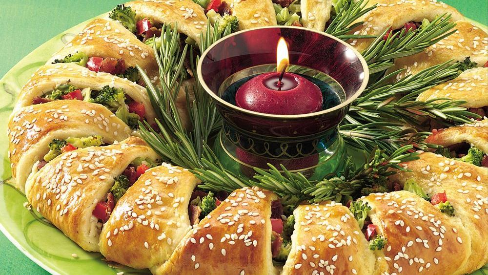 Пирог новогодний венок