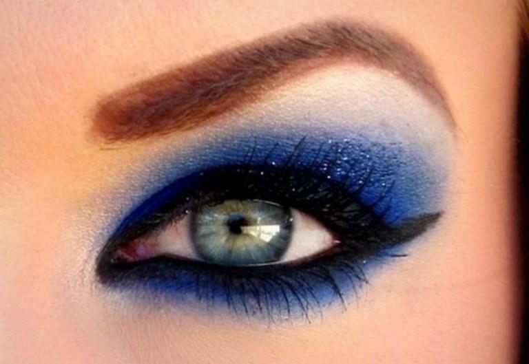 Серо-голубые глаза макияж на новый год